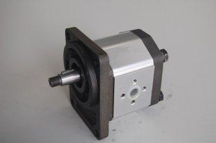 2B2 マイクロ エンジニア リング専攻・ レクスロス油圧歯車ポンプ用機械